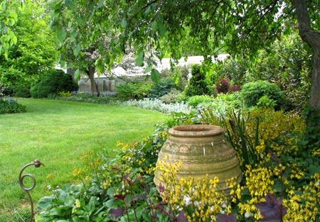 Home dzine garden garden trends through the years for Garden design za