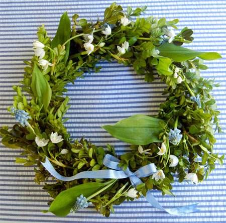 Grapevine and Ivy wreaths and decor