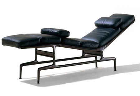chairles eames chaise longue