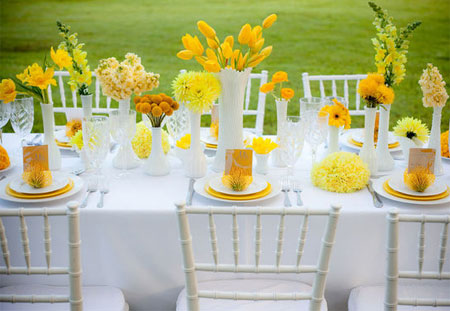 Set the table for spring yellow