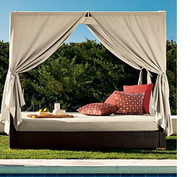 daybed with drapes