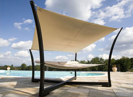 daybed with sail shade