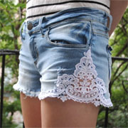Lacy cut-off jeans