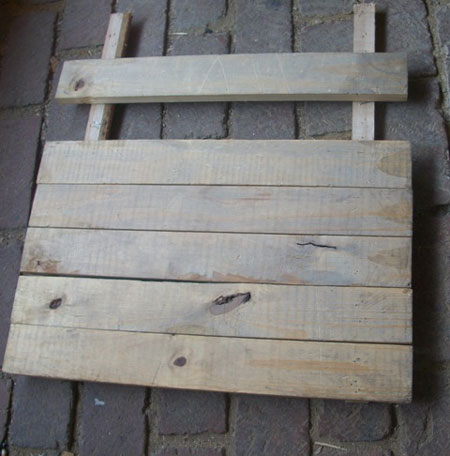 Make a garden chair with pallets