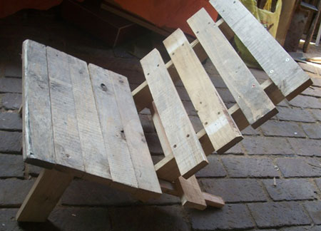 garden chair with pallets