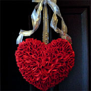 Make a heart wreath for Valentine's Day