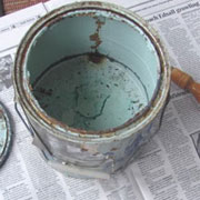 How to dispose of old paint