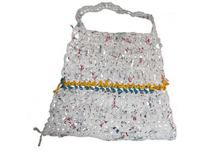 Shopping bag made of... plastic shopping bags!