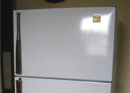 home dzine kitchen paint your appliances. Black Bedroom Furniture Sets. Home Design Ideas