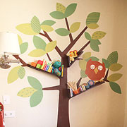 Decorative shelf for children's bedroom