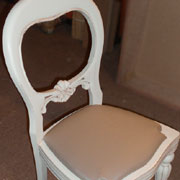 Dining chairs go shabby chic!