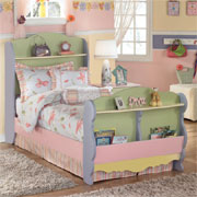 Make a cottage bed for little girl