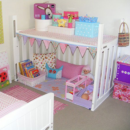cot or crib play centre