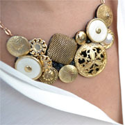 Make your own jewellery with buttons