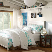 Decorate a teen bedroom