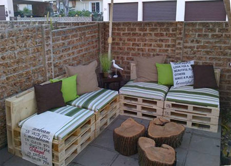 Home dzine garden timber pallets become patio furniture Home dezine
