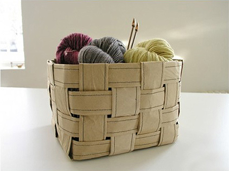How to weave a brown tissue paper basket