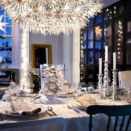 Home dzine home decor decorate the christmas dining table - Modern christmas table settings ideas ...