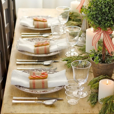 Stupendous Home Dzine Home Decor Decorate The Christmas Dining Table Home Interior And Landscaping Eliaenasavecom
