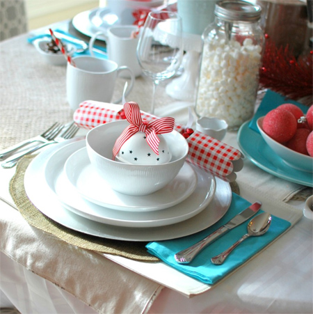 HOME DZINE Home Decor | Decorate the Christmas dining table