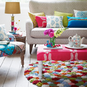 Crochet a colourful rose rug