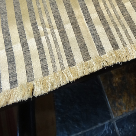 Make a no-sew tablecloth frayed edge fabric