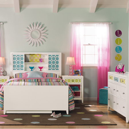 What Little Girl Wouldnt Love A Bedroom Decorated In Trendy Colours Teal Magenta And Pastel Combined With Modern Furniture Fashionable
