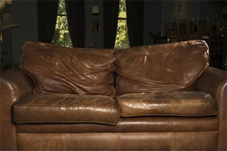 home dzine fix flat cushions on a leather sofa. Black Bedroom Furniture Sets. Home Design Ideas