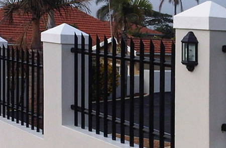 Home Dzine Home Diy How To Paint Palisade Fencing