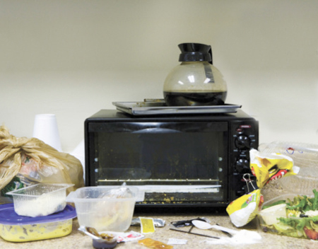how to clean a microwave using eco friendly cleaners