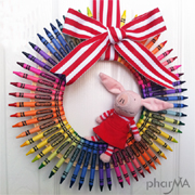 Colourful crayon wreath for wall decor