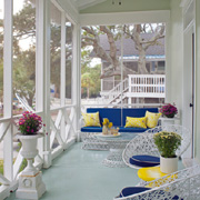 Decorate a porch floor with paint