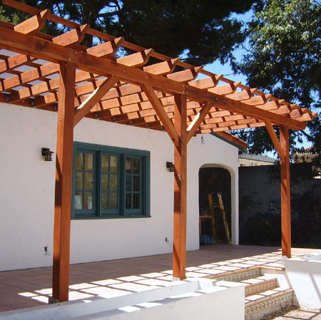 Image gallery simple pergola for Simple pergola ideas