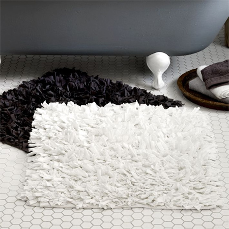 Home Dzine Bathrooms Turn Old Towels Into Super Soft Mats