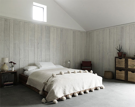 home dzine bedrooms | whitewashed and weathered wood panels