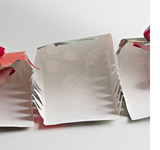 Home dzine craft ideas how to make your own christmas crackers how to make your own christmas crackers solutioingenieria Choice Image