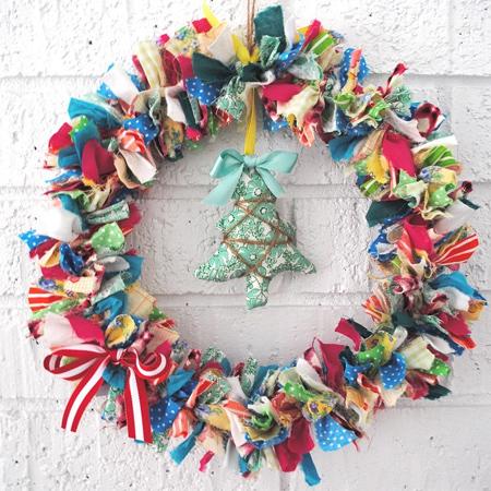 Fabric S Wreath Festive Holiday Christmas Decoration