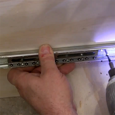 Secret to easy mount of ball-bearing drawer runners