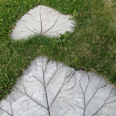 stepping stone mosaic rhubarb leaf concrete diy