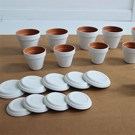 paint plant pots with rust-oleum flat or satin white spray