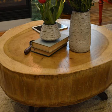 make a DIY tree stump table for free with this great idea