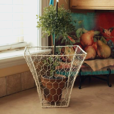 Home dzine craft ideas make baskets with chicken wire repurpose recycle reuse lampshade frame with chicken wire keyboard keysfo Gallery