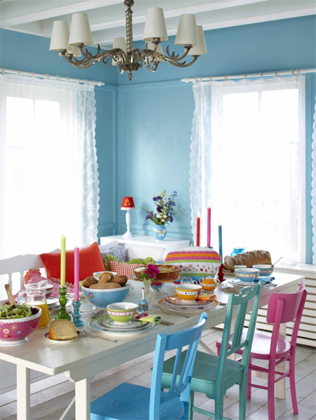 Colourful ideas for a casual eat-in kitchen
