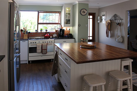 Home dzine kitchen small kitchen becomes heart of a home for Kitchen installers cape town