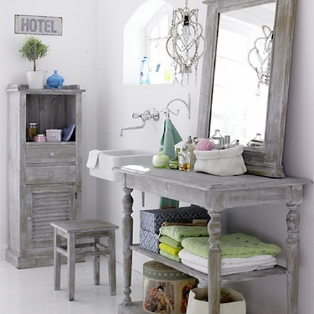 Ideas and instructions for white washed furniture