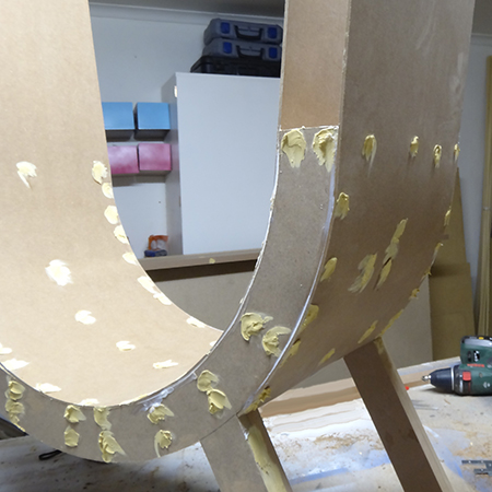 How to make a curved chair