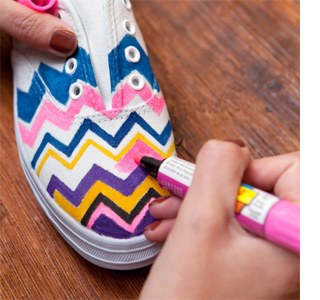 Fabric markers = Colourful takkies