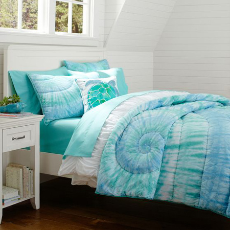 bedroom or add a splash of fresh colour to plain cotton bedding