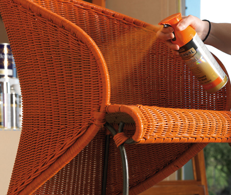 Rust-Oleum 2X for tricky objects like wicker furniture