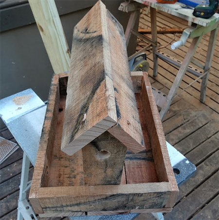 add reclaimed timber wood pallet roof to rustic bird feeder